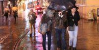 İstanbul#039;da gece yağmur etkili oldu