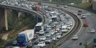 İstanbul#039;da trafiği kilitleyen kaza!