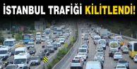 İstanbul Trafiği Kilitlendi