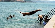İstanbullular serinlemek için sahilleri doldurdu