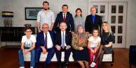 Kılıçdaroğlu#039;nun, Ekrem İmamoğlu İle Verdiği Poz quot;Adaylık Yarışı Bittiquot; Şeklinde Yorumlandı