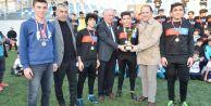 Murat Çalık Beylikdüzüspor#039;un şampiyonluğunu sporcularıyla kutladı
