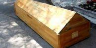 #039;Öldü#039; denilen kadın kendi cenazesinde uyandı