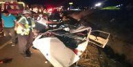 Otomobil TIR#039; a çarptı: 5 ölü