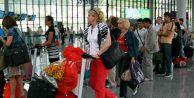 Ruslar Türkiye tatillerini iptal ediyor
