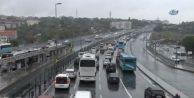 Sağanak Yağış, Kazalara ve Trafik Yoğunluğuna Neden Oldu