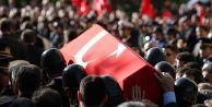 Şehre İnen Teröristler, Polisle Çatıştı: 1 Şehit