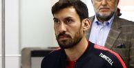 Şener Özbayraklı, Beşiktaş ile anlaştı