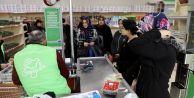 """Sevgi Eli Market"""" her ay binlerce kişinin yüzünü güldürüyor"""