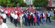 Silivri Belediyesi şehitler anısına yürüyüş düzenledi