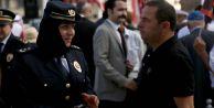Taksim#039;deki Zafer Bayramı Kutlamalarında Başörtülü Polisler Yer Aldı