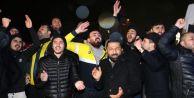 Taraftarlardan Samandıra#039;da Fenerbahçe Kafilesine Protesto