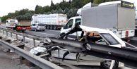 Tem#039;de Feci Kaza; Bariyerlere Giren Otomobilin Sürücüsü Öldü