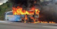TEM#039;de yolcu otobüsü alev alev yandı!