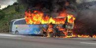TEM#039;de Yolcu Otobüsü Alev Alev Yandı