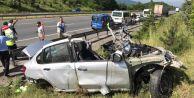 Tıra Çarpan Otomobil Parçalandı: 4 Ölü