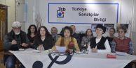 ''Türk milletine, Türk ordusuna ve polisine silah çeken vatansızları lânetliyoruz!''