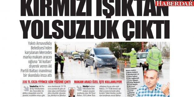 Trafik polisinin durdurduğu arabadan siyasi skandal çıktı