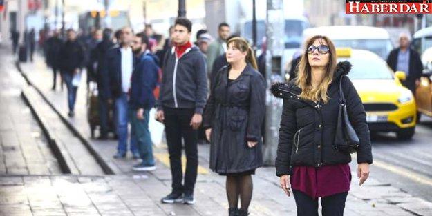 Türkiye Ata'sına Ağlıyor! Saat 9'u 5 Geçe, Tüm Ülkede Hayat Durdu