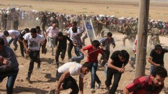 Türkiye sınırı Suriyelilerin geçişine açıldı