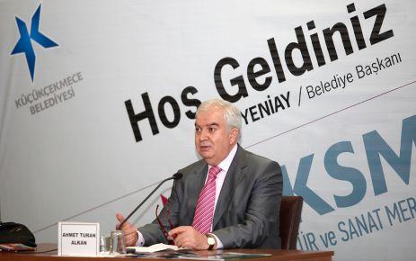 Türkiye'de milliyetçilik lafla yapılıyor