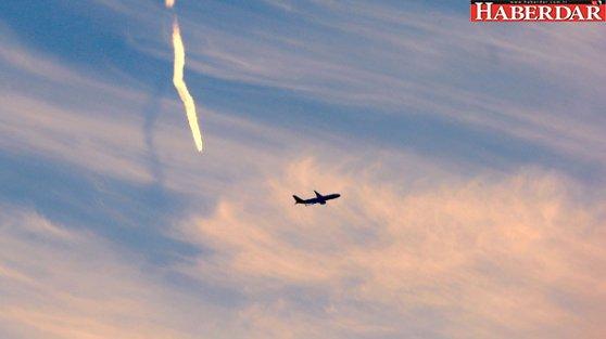 Tuvaletteki Not Uçağı Karıştırdı, Yolcular Piste Atladı