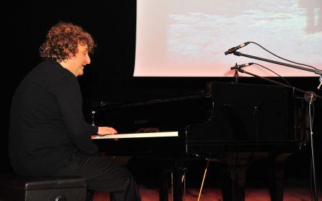 Türkiye nin önemli piyanistlerinden tuluyhan uğurlu 29 ekim