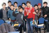 Suriyeliler kendi okul ve hastanelerini açtı