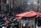İstanbul 27,4 dereceyi gördü