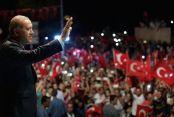 Guardian bu kez övdü: Erdoğan'a diktatör demek aptallık