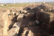 Mezarlar kazıldı açık bırakıldı