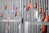 Brezilya'da cezaevinde mahkumlar 11 kişiyi rehin aldı