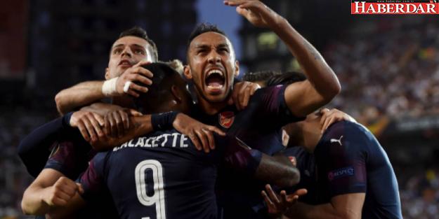 Valencia'yı deviren Arsenal finale yükseldi!