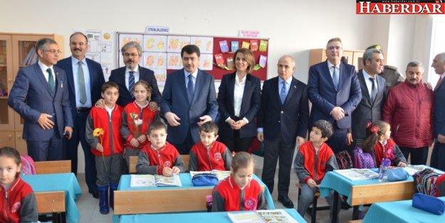 Vali Vasip Şahin Akalan İlk ve Ortaokulu'nu gezdi