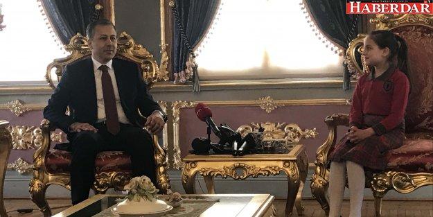 Vali Yerlikaya koltuğunu devretti