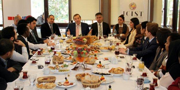 Yabancı Öğrenciler Başkan Kadıoğlu ile İstişare Etti