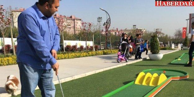 Yaşam Vadisi'nde Mini Golf Zamanı