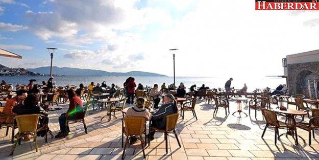 Yazlıkları Çıkarın! İstanbul'da Hava Çarşamba Günü 22 Derece Olacak