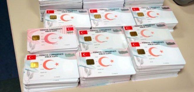 Yeni Kimlik Kartları 18 TL'den Vatandaşa Verilecek