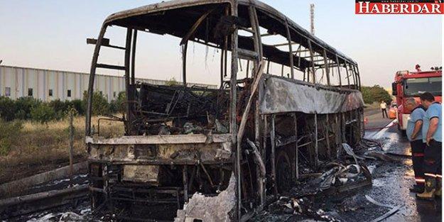 Yolcu otobüsü TEM'de alev alev yandı