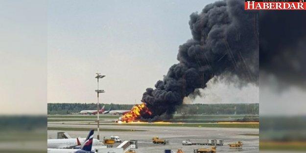 Yolcu uçağında yangın çıktı! 41 ölü