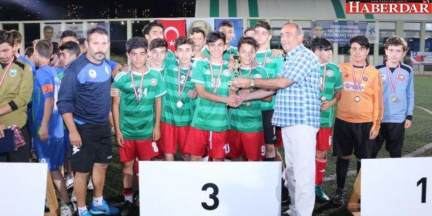 Zafer Bayramı Turnuvası Şampiyonu Halkalıspor