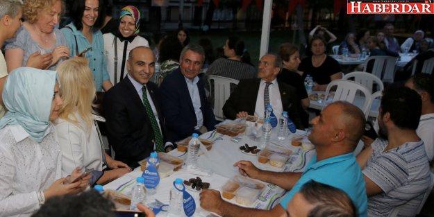 ZAHİDE YETİŞ, BAKIRKÖY'DE MAHALLE İFTARINDA