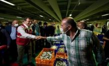 İmamoğlu, balıkçı esnafının heyecanına ortak oldu