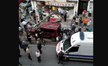 İstanbul'da korkunç kaza! Otomobil durağa daldı: Yaralılar var