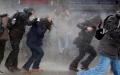 BEYAZIT'TA ÖĞRENCİLERE POLİS MÜDAHALESİ