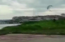 Büyükçekmece'de kısıtlamada paraşütle uçuş yapan 4 şahsa polis müdahale etti