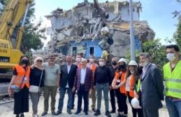 Büyükçekmece'de riskli 2 bina, kentsel dönüşüm kapsamında yıkıldı