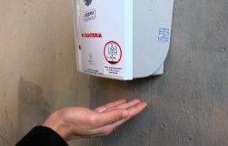 İBB'den metrobüs duraklarında virüs önlemi