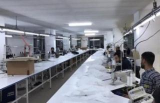 Esenyurt'ta kaçak medikal maske ve tulum operasyonu
